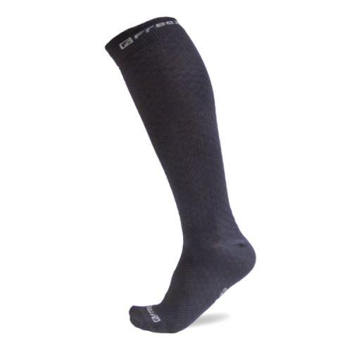 FREEZ LONG COMPRESS SOCKS BLACK 43-46 - Stulpny a ponožky